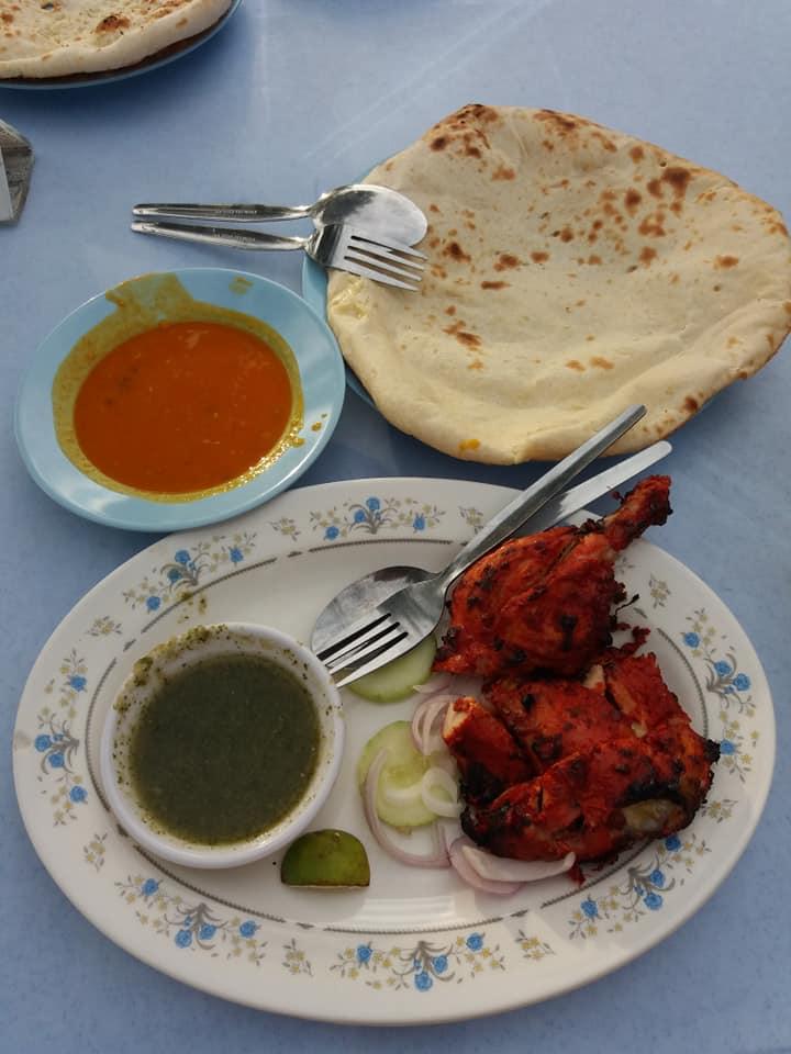 Pollo tandoori en el restaurante Pak Putra, Malacca