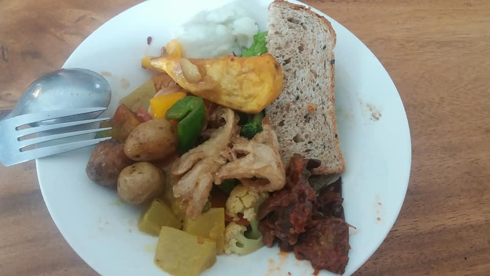 Buffet vegano Sawobali, Ubud - ¡plato dos!